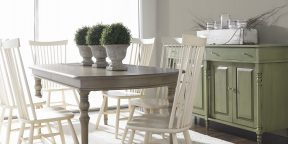 Gat Creek Russell Table and High Back Chairs